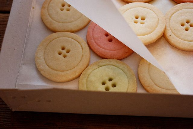 Omg, button cookies?! So me!