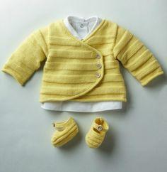 Infos : Modèles gratuits offerts par PHILDAR. Jaune layette, gilet et chaussons. Tuto tricot, gratuit, français, printemps, bébé