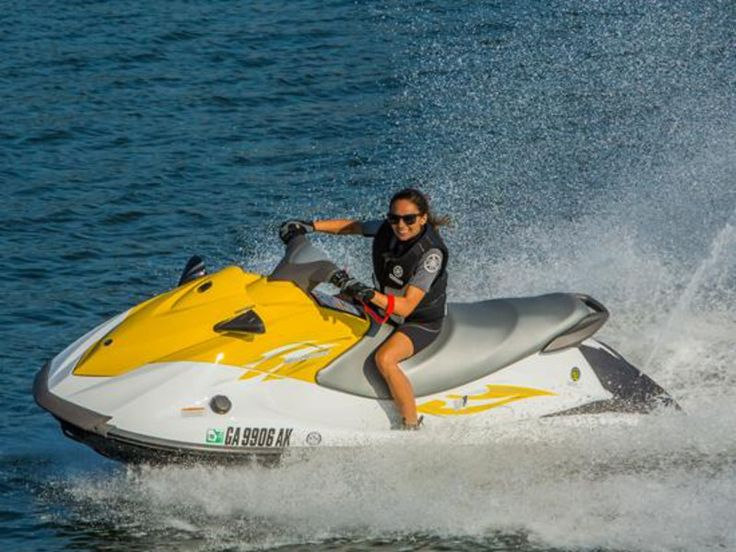 San Diego Boat Rentals Including The Yamaha Waverunner Provided By Mission Bay Sportcenter