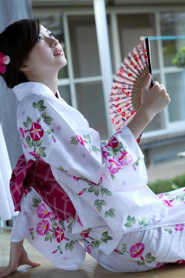 Japanese Fashion - Kimono