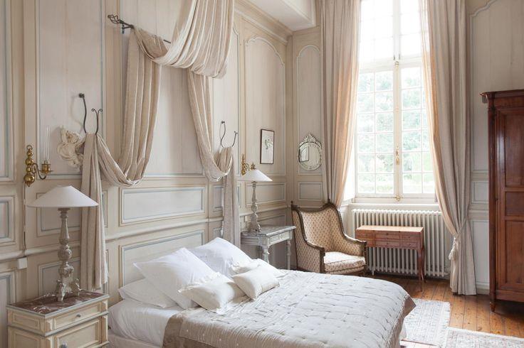 les 25 meilleures id es de la cat gorie partie des cheveux de c t sur pinterest coupe de. Black Bedroom Furniture Sets. Home Design Ideas