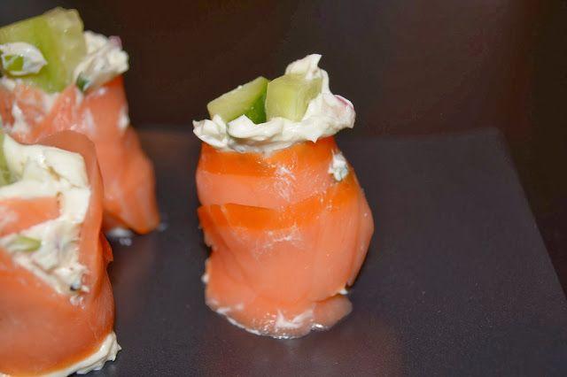 smacznie mi - jedzenie bezglutenowe: Roladki z łososia z serkiem śmietankowym