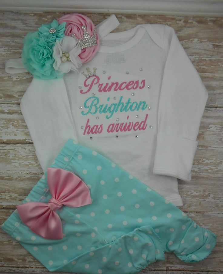 Princess has arrived, Baby girl coming home outfit, Newborn girl outfit, baby girl bodysuit, Newborn baby girl outfit, Take home outfit, set by LittleQTCouture on Etsy https://www.etsy.com/listing/260240967/princess-has-arrived-baby-girl-coming