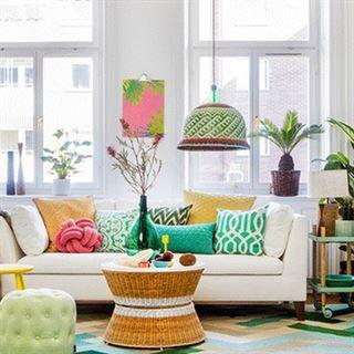 Inreda vardagsrum är inte alltid lätt. Här får du inspiration i både romantisk, modern och klassisk stil. Få också expertens tips till inredningen.  IKEA Stockholm sofa