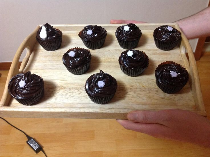 Cupcakes with chocolate ganache frosting