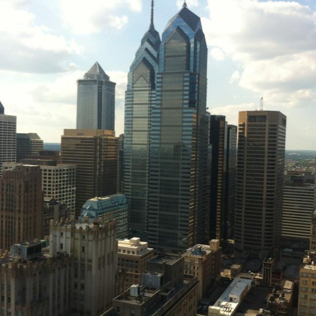 Philly skyline from 1500 locust