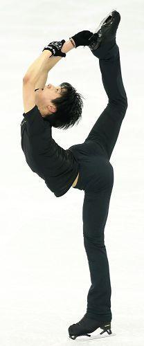 http://www.yomiuri.co.jp/olympic/2014/skate/20140213-OYT1T00236.htm?from=tw  羽生SPへきっちり照準、「できることやる」