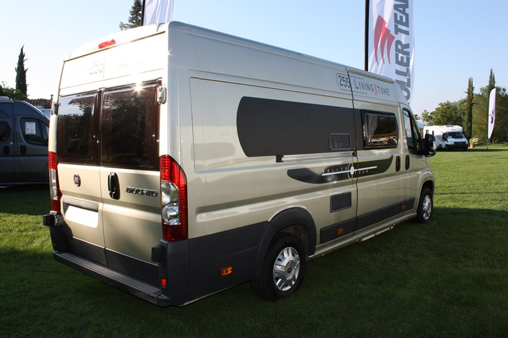 Buscamper Livingstone 255 van Roller Team: buscamper voor de ontembare ontdekkingsreiziger! Kijk voor meer informatie op http://rollerteam-livingstone255.nl/ of http://rollerteam.nl/livingstone.html