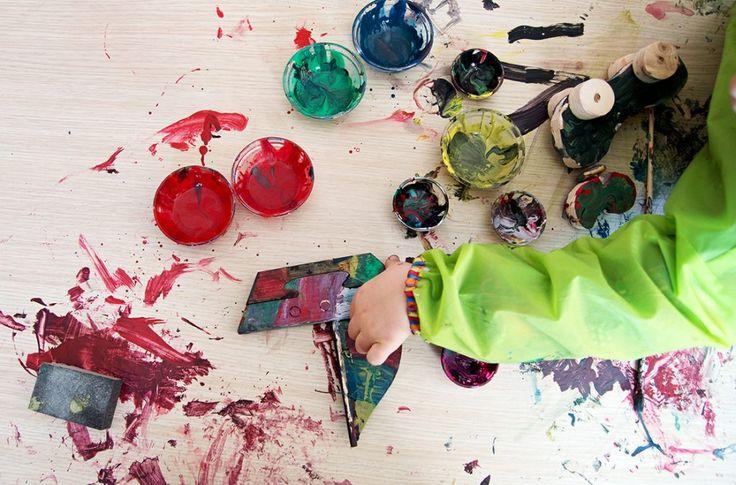 Seçtik, boyadık, monte ettik, oynadık – Renkli Orman Erken Çocukluk Merkezi