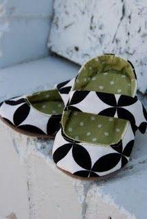 DIY cloth baby shoes. so cute!
