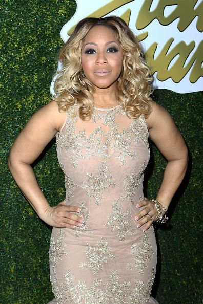 Hot Hair Moments From 2016 Stellar Awards    Erica Campbell glammed it up with body curls and a smokey eye and nude lip combo.