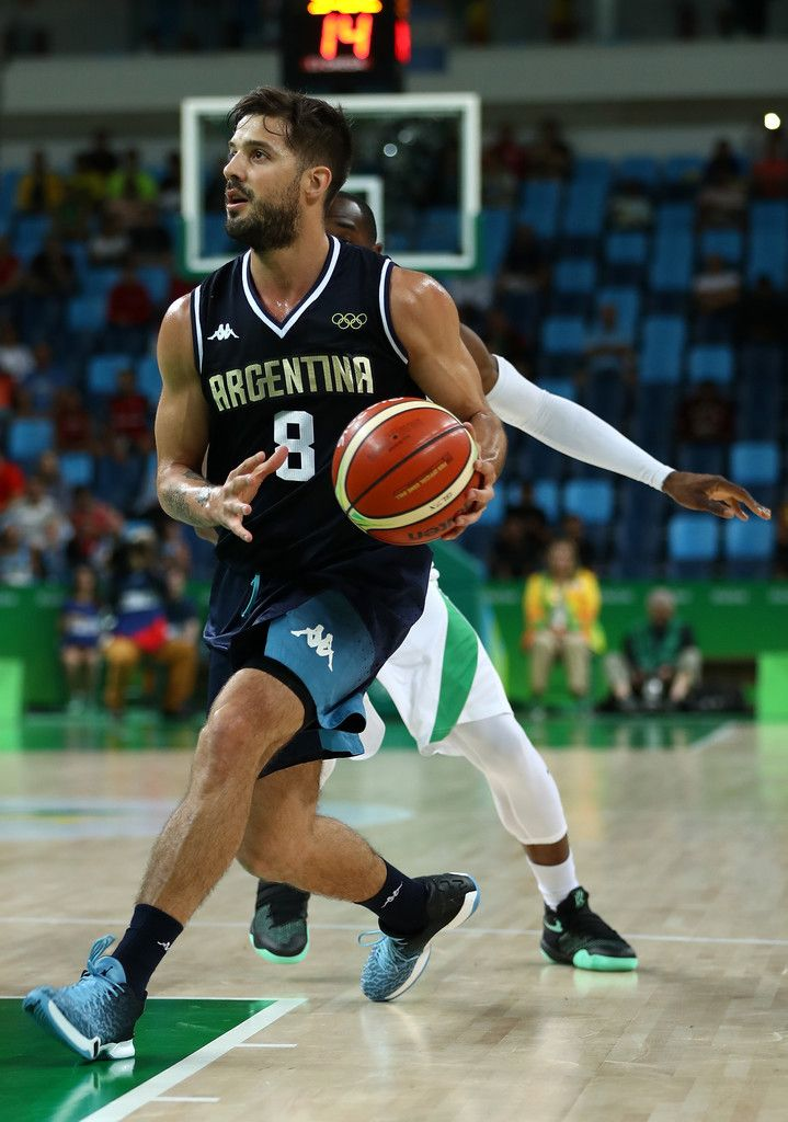 Nicolas Laprovittola Photos - Nicolas Laprovittola of Argentina runs with the ball during a Men's preliminary round basketball game between Nigeria and Argentina on Day 2 of the Rio 2016 Olympic Games at Carioca Arena 1 on August 7, 2016 in Rio de Janeiro, Brazil. - Basketball - Olympics: Day 2