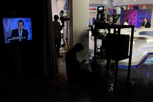 16/11/2011 Madrid, España El Presidente Nacional del Partido Popular, y candidato a la Presidencia del Gobierno, Mariano Rajoy, durante la entrevista que ha concedido a Pepa Bueno en los estudios de TVE en Torrespaña Fotografía: Diego Crespo