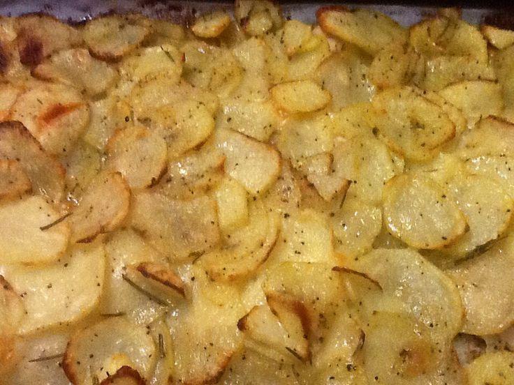 Pollo, patate e mozzarella in teglia