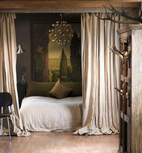 Idea for the curtain to seperate the room. Sofa in front of bed for studio apartment.