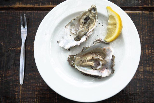 Oyster porn, delicious pictures of delicious oysters from Knysna, South Africa