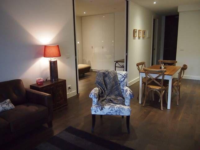 Cambridge - quiet haven, lively, a Collingwood Apartment   Stayz