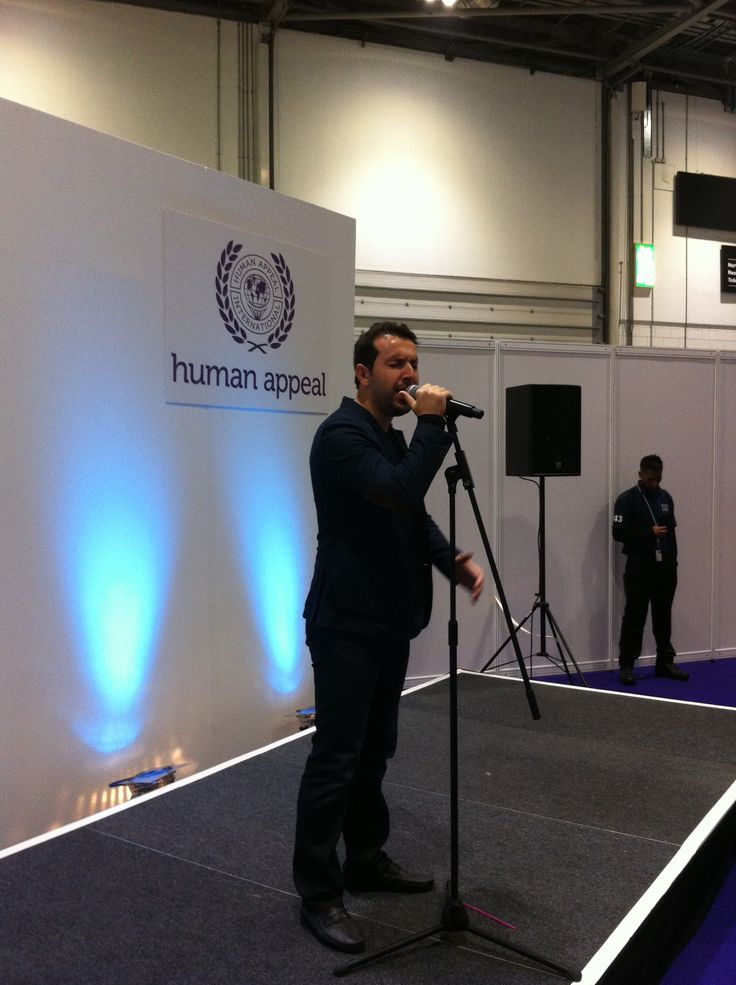 Mesut Kurtis performing on the Human Appeal stage.