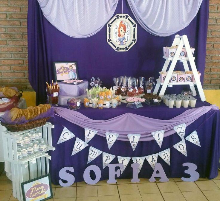 Mesa de Dulces y Postres para la  Princesa Sofia