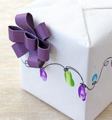 Fingerprint Christmas tree ornaments - fun gift wrapping idea // Ujjlenyomat karácsonyfadíszek - kreatív ajándékcsomagolás // Mindy - craft tutorial collection // #crafts #DIY #craftTutorial #tutorial