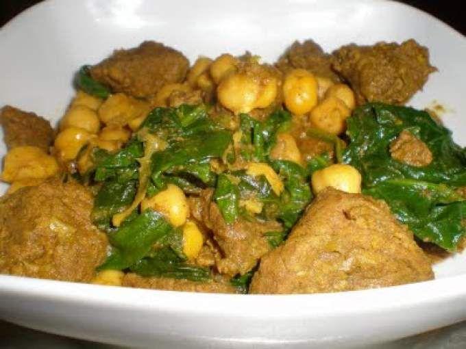 He puesto esta receta en la pestaña de cocina india pero en realidad no se si es muy correcto ya que es un curry de ternera. Podría ser un curry malayo, indonesio.... pero desde luego indio no mucho. Pero lo dejo en esta pestaña. - Receta Plato : Curry...