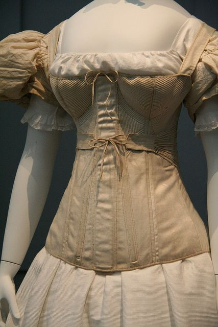 1830-40's corset in the Los Angeles County Museum (M.63.54.7) as seen in page 86-7 in Fashioning Fashion