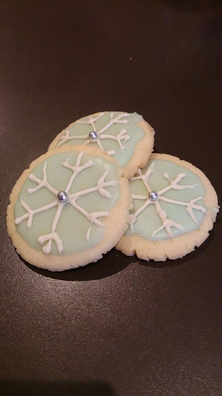 Norwegian cookies with vanilla glaze