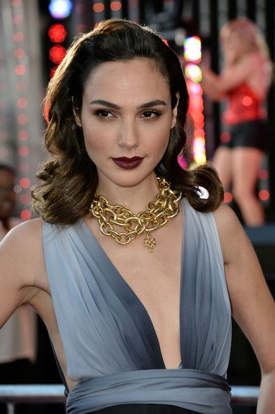 Gal Gadot  | Big and bold dark chocolate lip colour to complement deep brown locks | #beauty #hair #lips