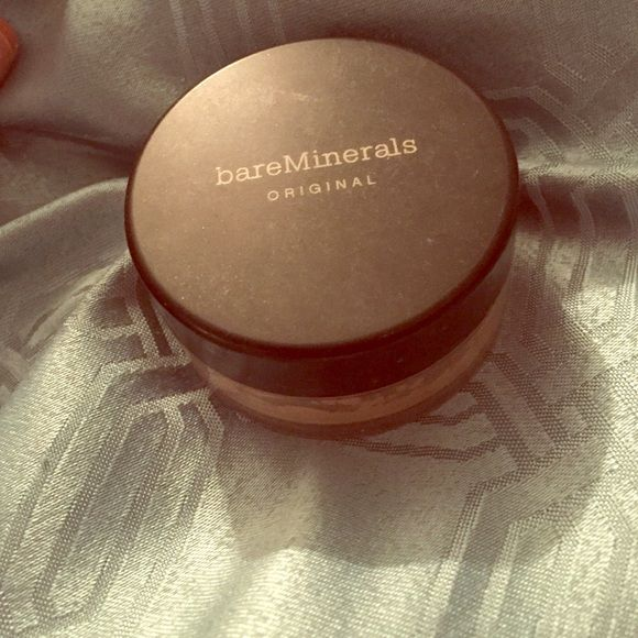 Bare minerals powder foundation Medium beige. Tried a few times and it did not match my skin tone to my liking. bareMinerals Makeup Foundation