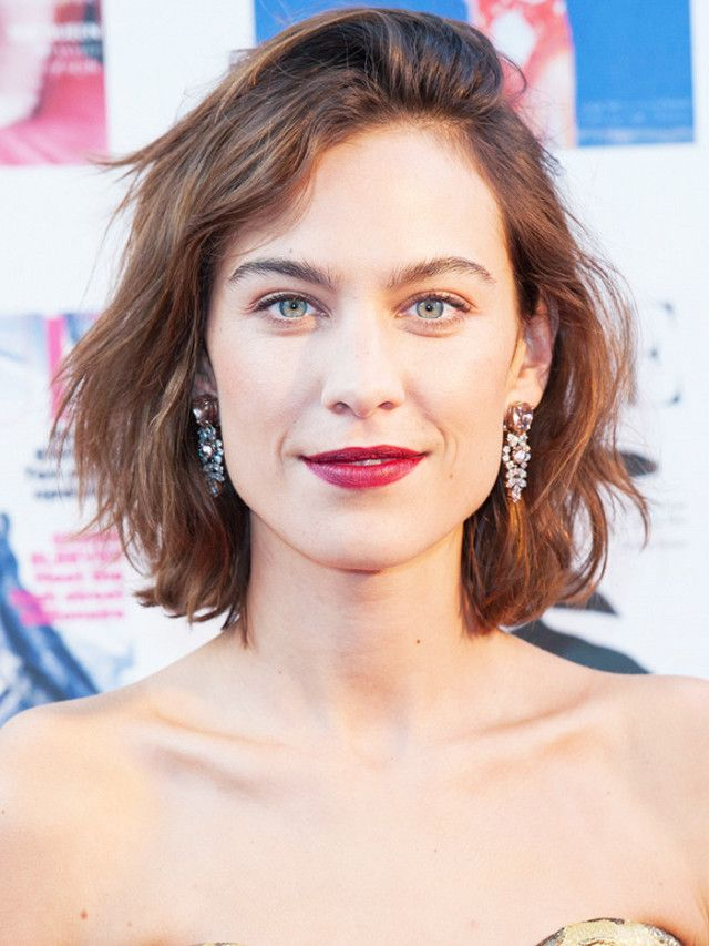Though she likes to flirt with shoulder-length tresses from time to time, Alexa Chung alway goes back to the bob—and we can see why. Famously cut by London-based stylist George Northwood,...