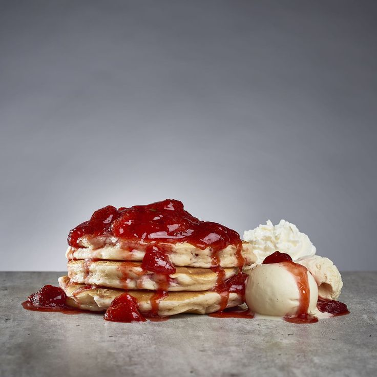 Strawberry pancakes with vanilla ice cream
