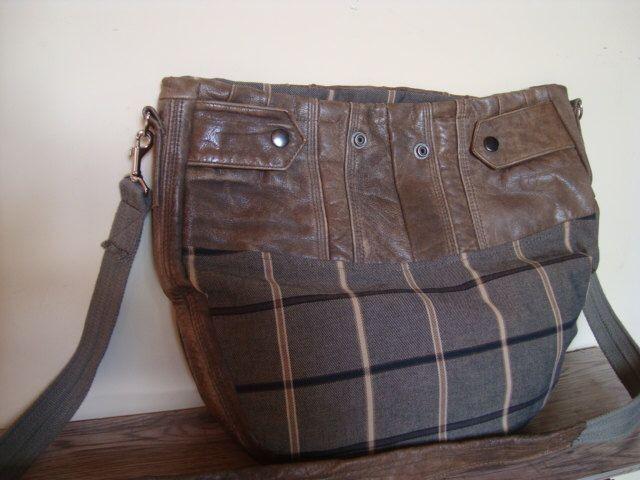 recyceltem Leder und Wolle-Tasche / bag Crossbody von BagsBand auf Etsy https://www.etsy.com/de/listing/272913224/recyceltem-leder-und-wolle-tasche-bag