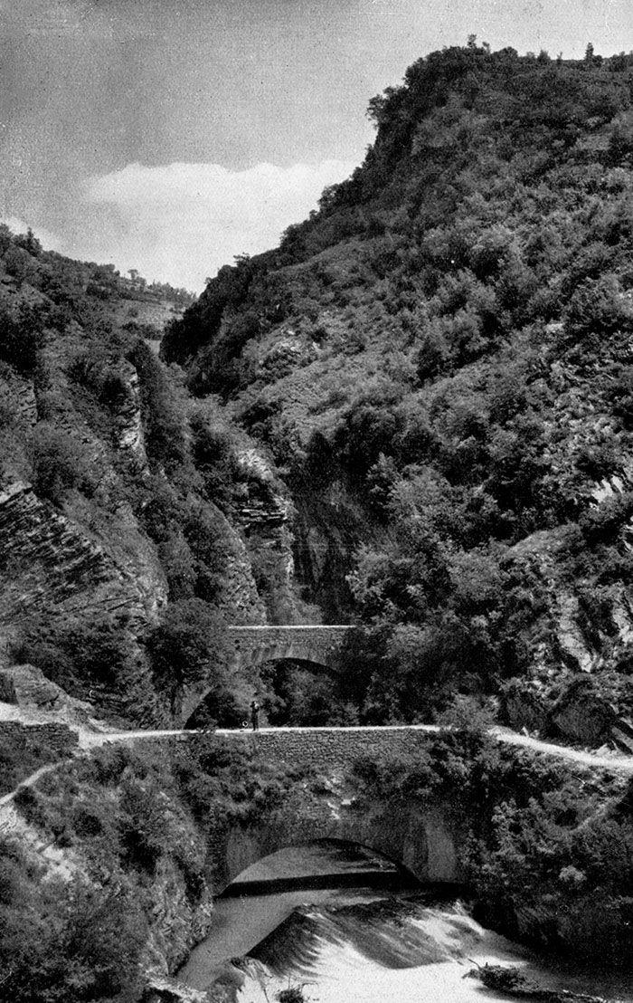 Stretto di Biselli - Valle del fiume Corno
