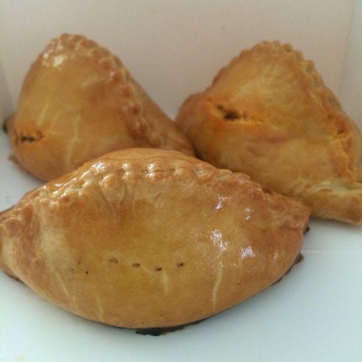 Classic curry puffs ($1.50) - baked short crust pastry - from Prima Deli. Much prefer these to the more commonly found fried or flaky pastry ones.