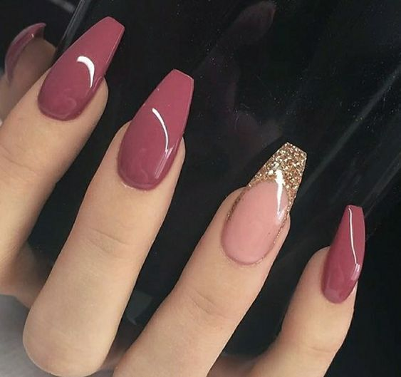 Trend Autumn Nails: Wine red color art designs nails – Nageldesign 2018