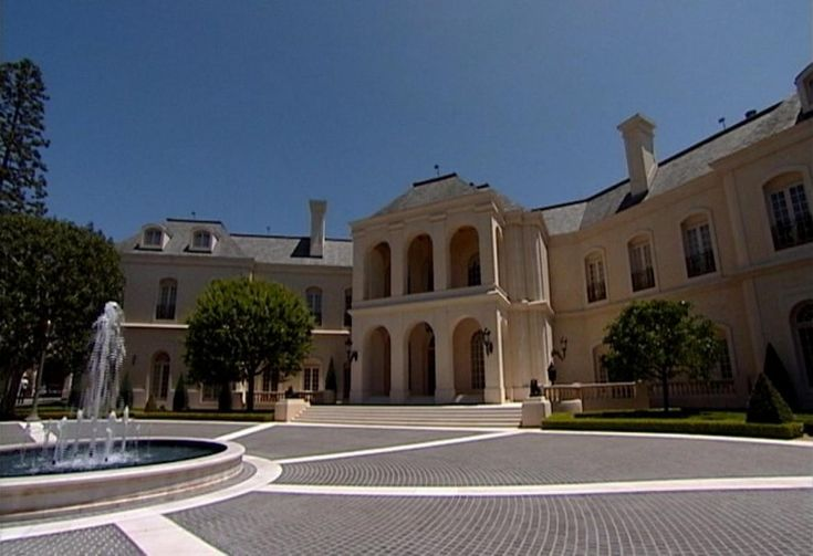 Candy Spelling, widow of the late TV producer Aaron Spelling has sold the mansion to a 22-year-old British heiress Petra Ecclestone on Tuesday. Description from ibtimes.com. I searched for this on bing.com/images