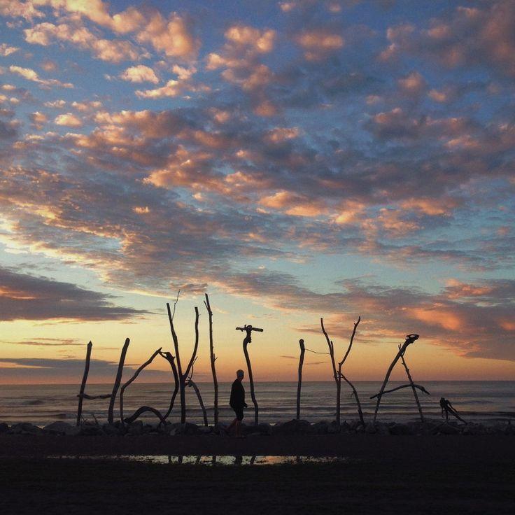 sunset in hokitika....wonderful crafty town
