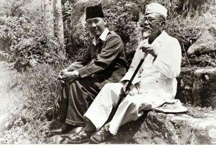 Sukarno and Agoes Salim
