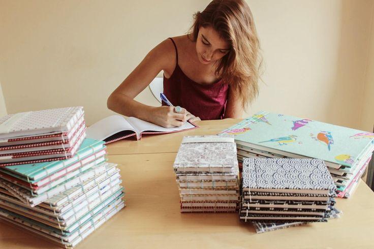 De Tacones y Bolsos: Paper Factorem, cuadernos ecológicos, hechos y cosidos a mano.  Papel 100% reciclado y están forrados con telas de gran calidad.