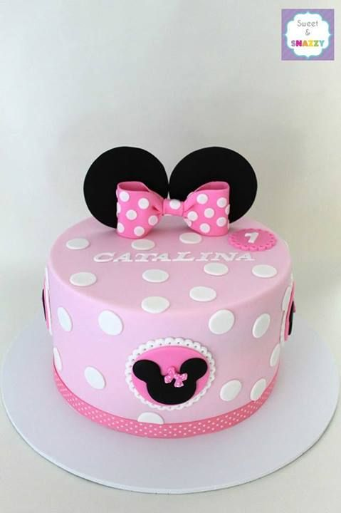 Minnie Mouse Cake from Sweet & Snazzy  Featured @ www.partyz.co your party planning search engine!