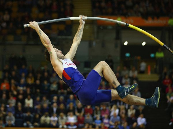 Luke Cutts Photos Photos - Luke Cutts of Great Britain & Northern Ireland in action in the mens Pole Vault final during the Sainsbury's Glasgow International Match at Emirates Arena on January 24, 2015 in Glasgow, Scotland. - Sainsbury's Glasgow International Match