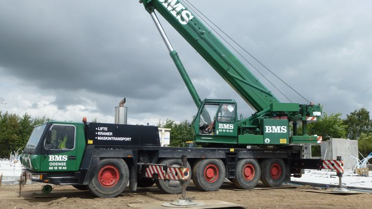 Tower Crane Vs Mobile Crane : Best images about world heavy special equipment