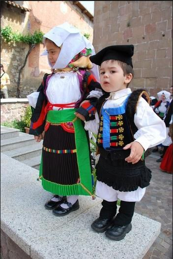 """Is pippius"" (means ""children"" in Campidanese dialect) Sardegna, Italia!!"
