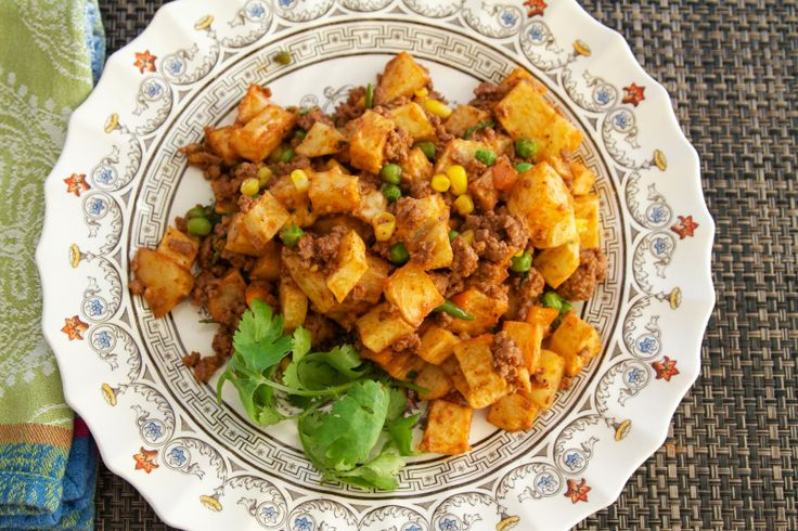 Sudanese Gheema — potatoes with beef and vegetables