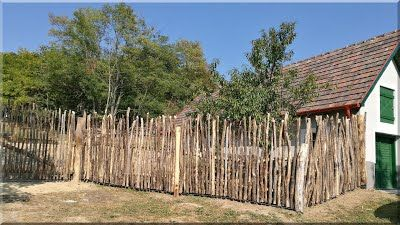 akác oszlop kerítés