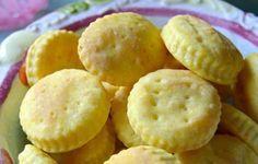 Biscottini salati alla robiola e curcuma