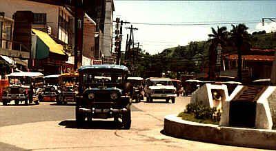 JEEPNEY PHOTOS IN SUBIC BAY | The ever present Jeepneys round Rizal Plaza at Olongapo City, PI.
