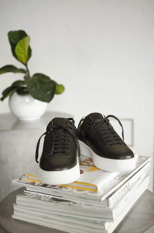 jim_rickey_fat_black_sneakers_nerio_3.jpg