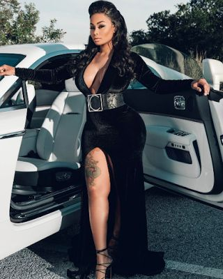 Welcome to Oghenemaga Otewu's Blog: Blac Chyna slays in sexy black dress as she poses ...