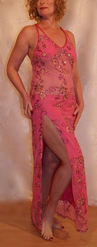 Moderne buikdans / Feestelijke orientaalse jurk ROZE ROSE met kant en split maat 36 - 38  - 1 slit Oriental party dress with lace and flowers decoration